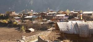 Tache, à deux pas du tour des Annapurna. Aucune enseigne, aucun lodge... !