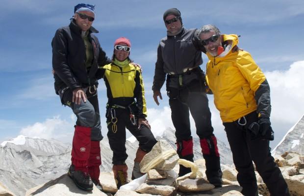 Au sommet de la Tête du Replat. Michel, Sonia, Jean Paul et Charly.