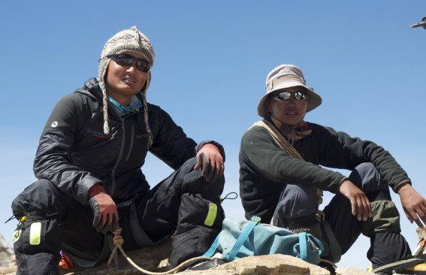 Dhane et Jangbu au sommet du Dhane Himal. Une très belle journée de partage.