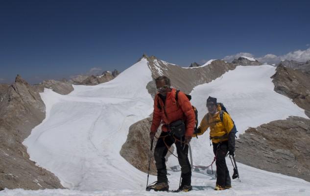 Avec Charly, pas loin du sommet du Dhane Himal. Il fait un temps de rêve et les Dieux continuent d'être avec nous !