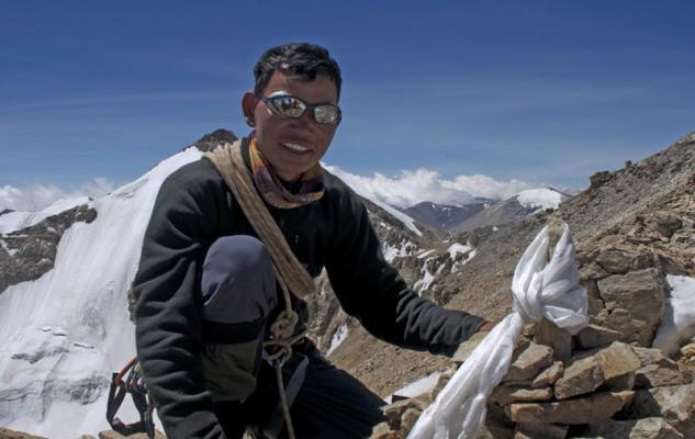 Dhane Magyar, sur le sommet qui porte désormais son nom. Un très beau moment.