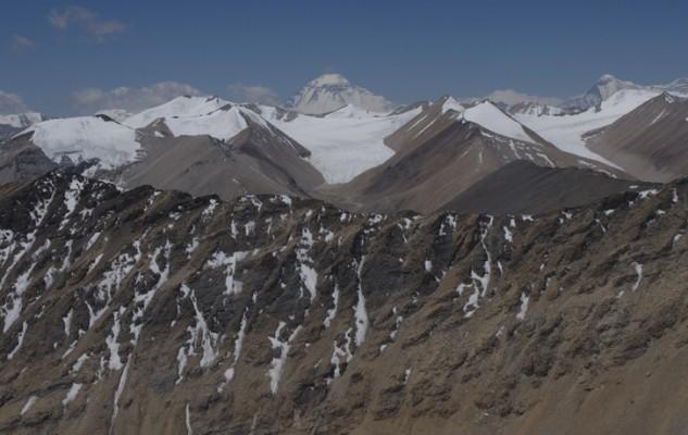 Depuis le Jangbu Peak, la vue sur les montagnes de la vallée d eGhami laisse entrevoir une multitude d sommets vierges à plus de 6000. C'est quand qu'on y va ?