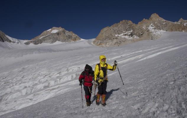Sonia et Jean-Paul vers le Pema Himal. Une cordée qui fonctionne plutôt bien.