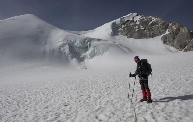 Début de journée tranquille, avec Michel nous allons traverser le Col du Replat. Comme dans les Alpes, en une petite cordée de deux.