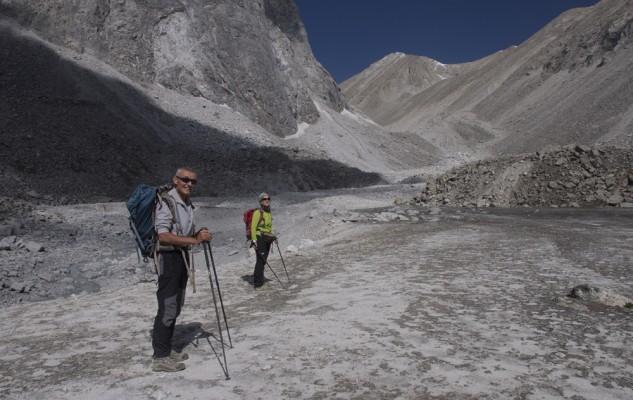 Le début d ela montée au camp de base, malgré un itinéraire optimisé, le parcours est un peu éprouvant.