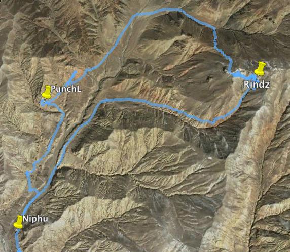 Le tracé de l'itinéraire sur Google Earth. Une belle boucle de randonnée...