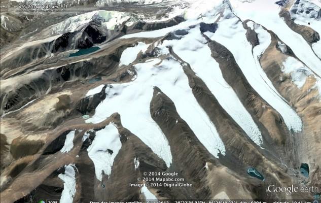 Les langue glaciaires au-dessus de Langkor.