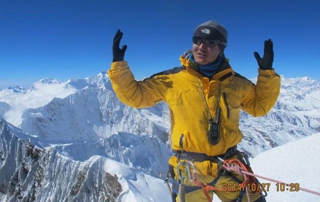 Un beau moment, pour Zangbu Sherpa. Son premier 7000 !