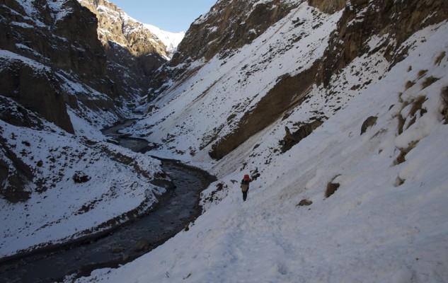 Le début de la vallée de Phu, ravagé par les culots d'avalanche.