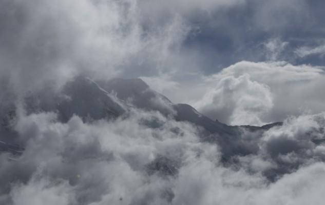 Juste en face, un clin d'oeil pour les Quinquins du Gyajikang. Et un célèbre gendarme du Calsberg Ridge.