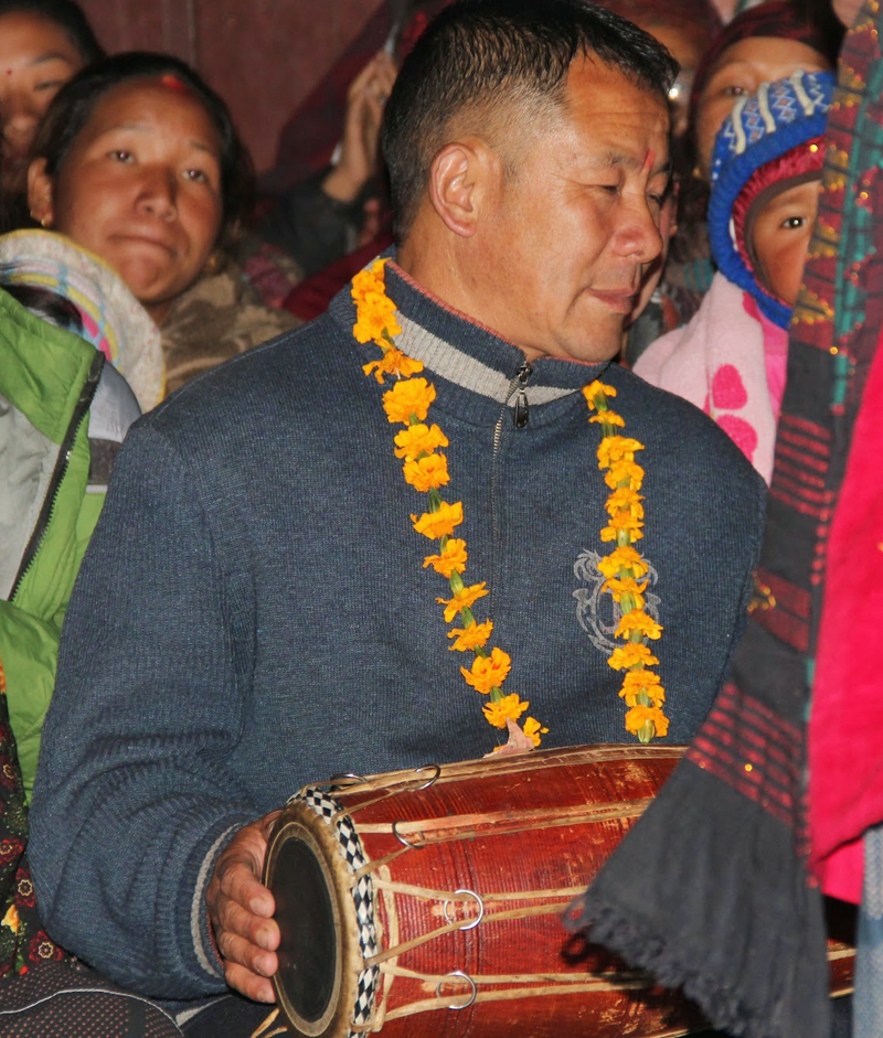 Au village de Tache, une soirée surprenante et un accueil chez l'habitant très instructive.