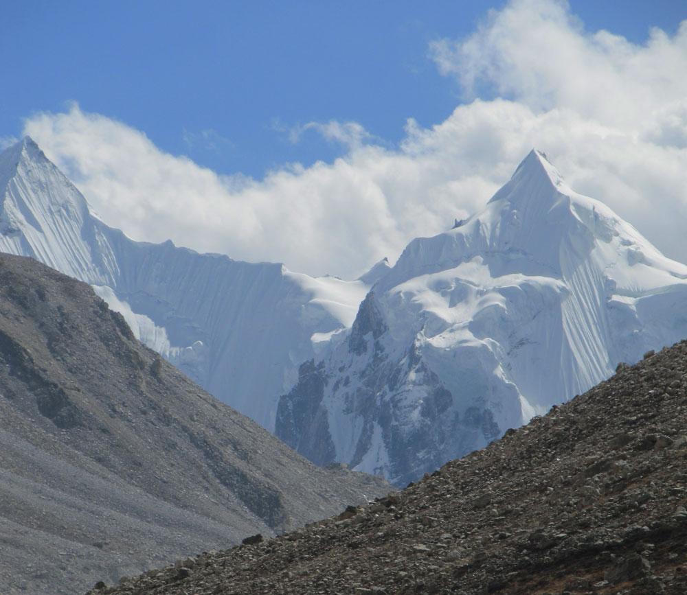 Des sommets vierges du Limi Himal, juste en face de notre Ashvin.