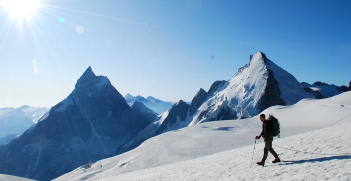 Cho Temba Sherpa, d'un bon pas... Direction La dent Blanche.