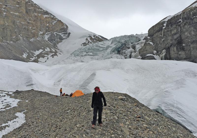 Le Camp de Base Avancé, près du glacier.