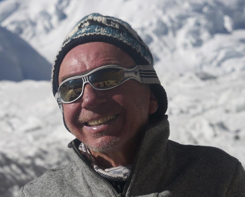 Jean René, compagnon de nombreux voyages en altitude et souvent derrière la caméra pour préparer un nouveau film.