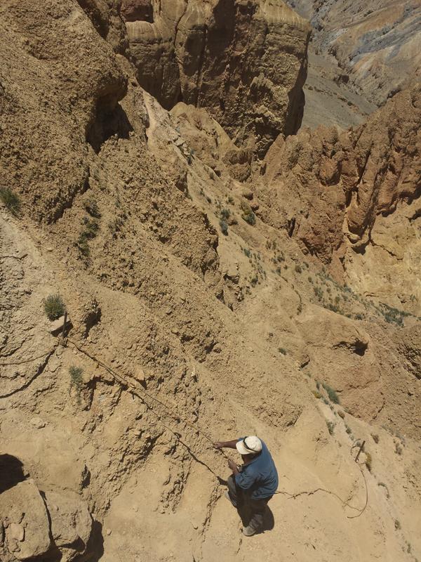 L'ambiance particulière de la descente vers la grotte.