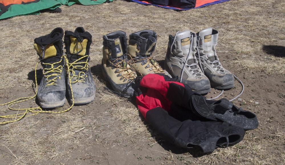 La catégorie des chaussures sans chausson intérieur. Et les surbottes qui vont avec.