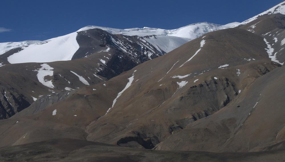 Les pentes d'accès à l'avant sommet du Bhrikuti central. Rien de bien compliqué. Mais jusqu'où pourront aller les mules ?