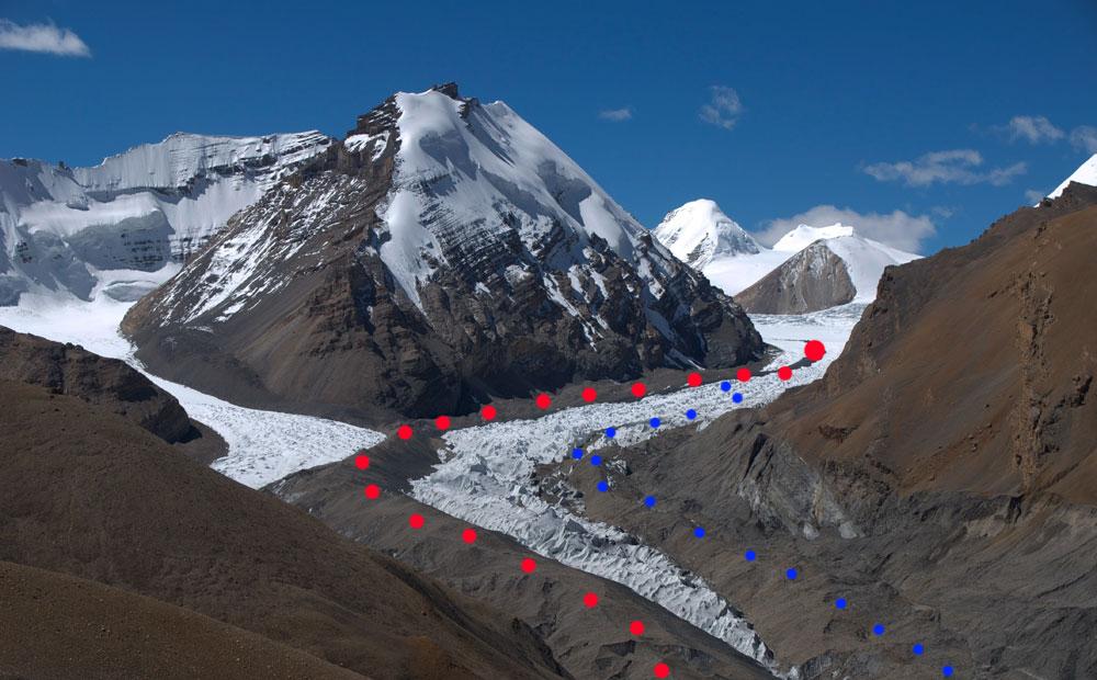 Le début deMustang Phu. En rouge, le nouveau tracé, en bleu l'ancien...