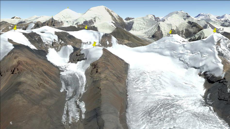 Une petite visite à Google Earth s'impose... Et tout se confirme.