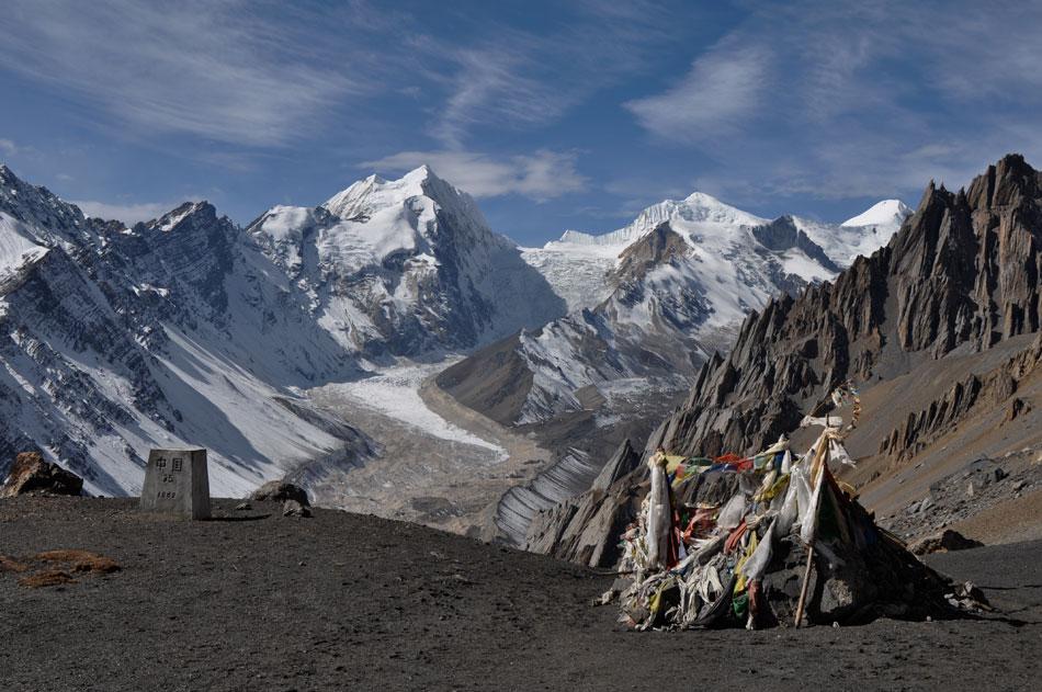 A la frontière du Tibet, au loin nos montagnes...