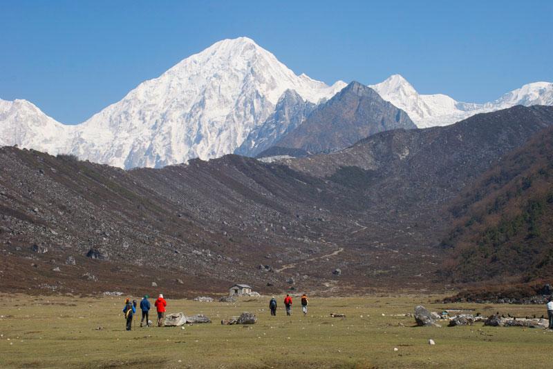 L'ambiance de Bhimthang, un petit replat protégé et entouré de montagne superbe.