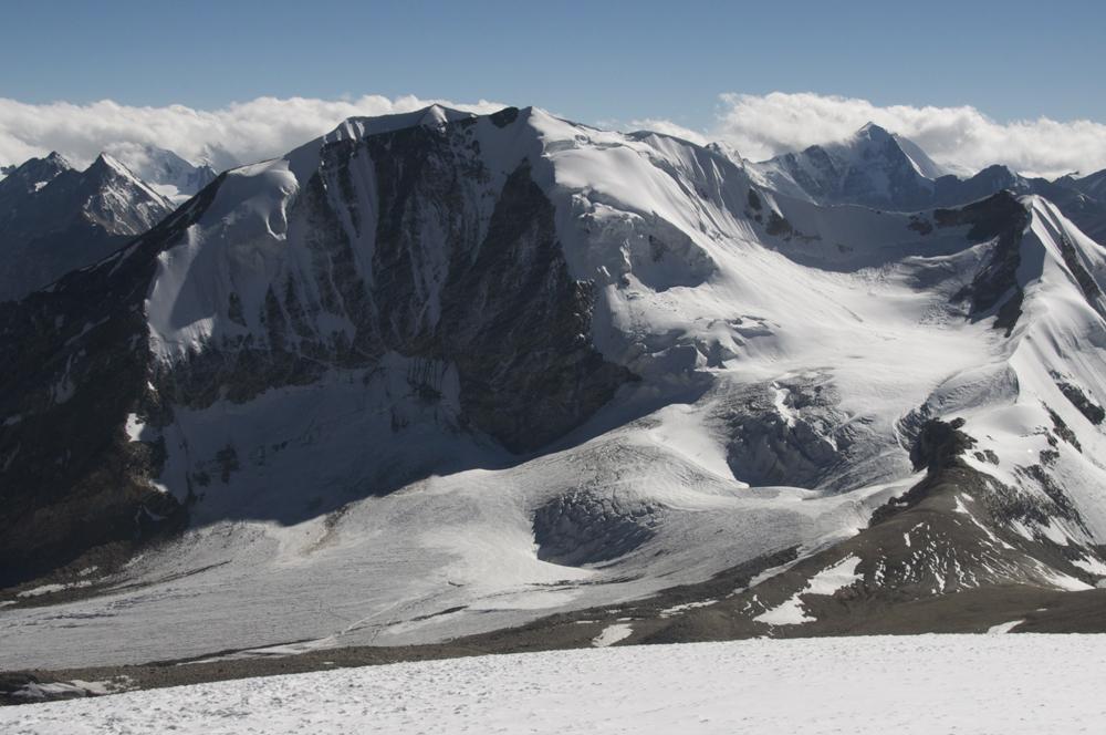 Et voici une première photo de l'Ashvin. Un très beau sommet !