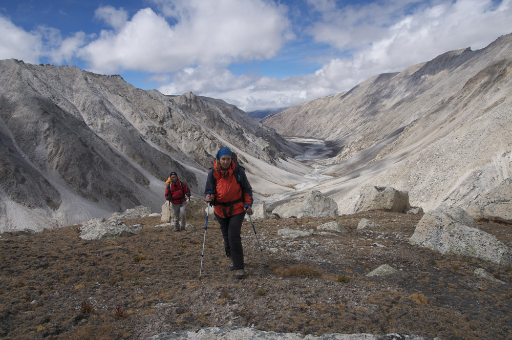 Magalie et Yannick dans la montée au camp d'altitude.