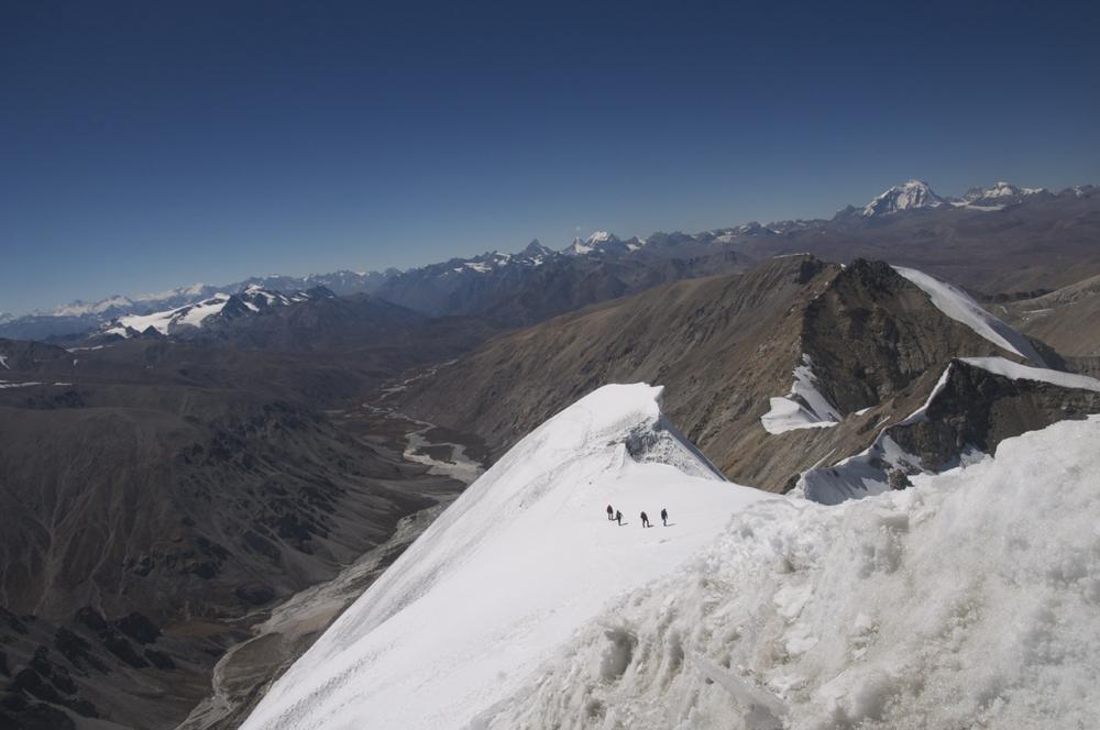 A l'approche du sommet, l'arête est plus simple.