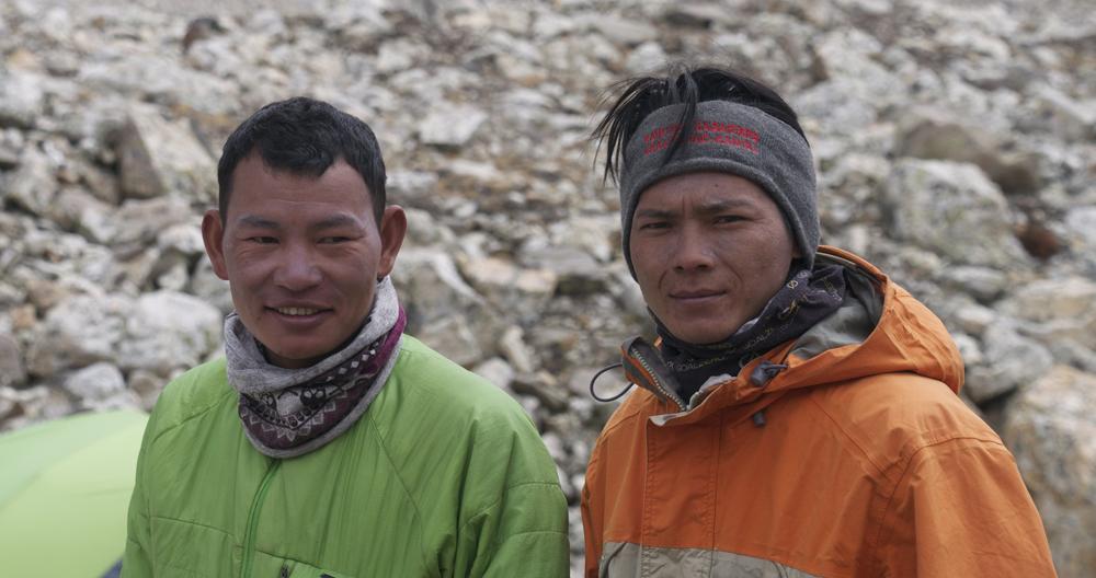 Dhan Magar et Razan Bothe, compagnons de cordée de cette ascension.