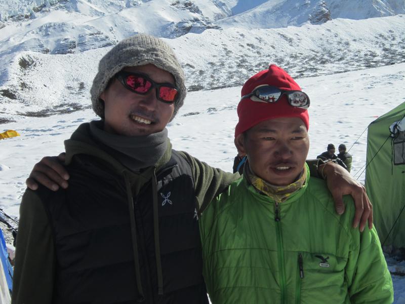 François et son compagnon de cordée, Dhan Magar.