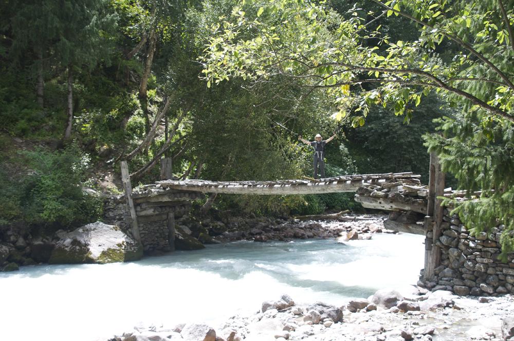 Un premier pont...