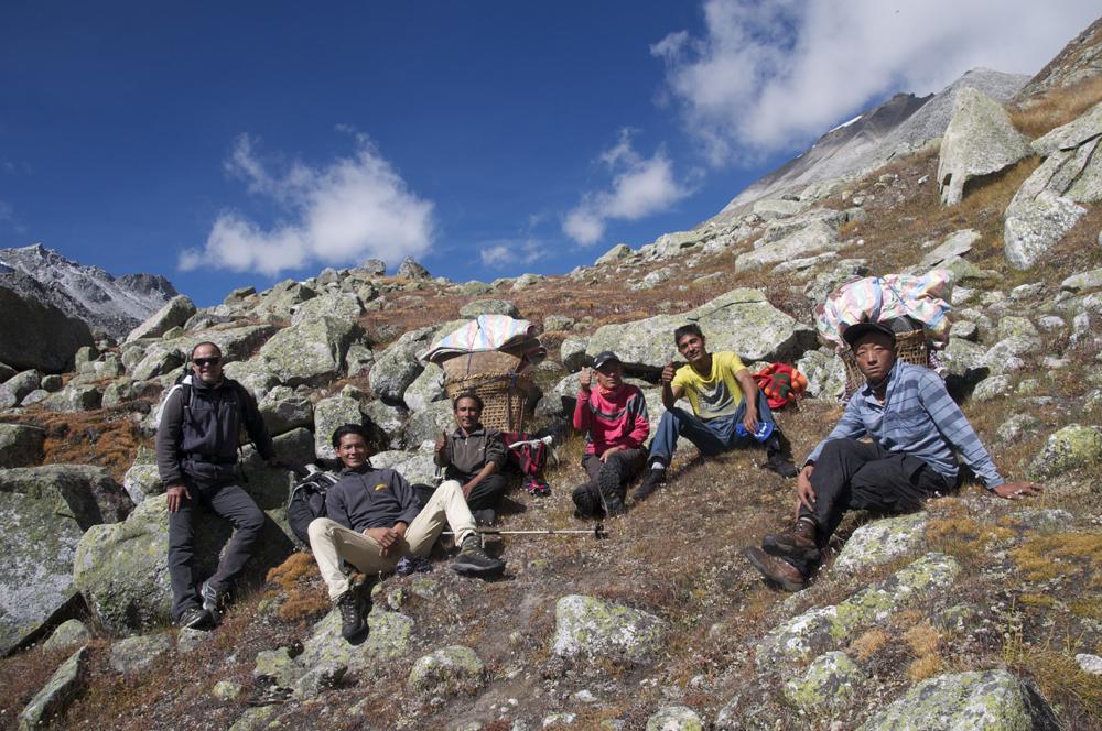 L'équipe népalaise... Toujours aussi performante.
