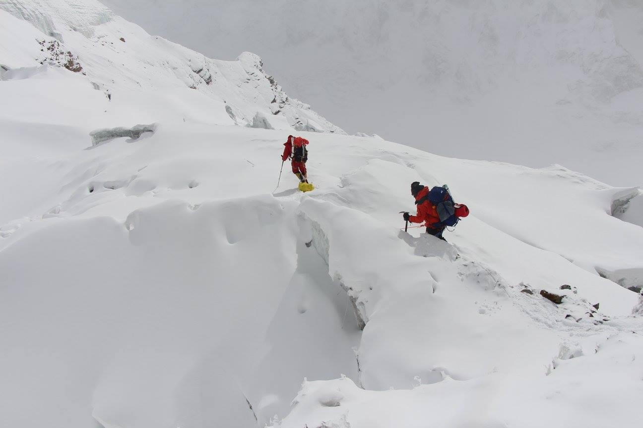 La dernière crevasse... la suite sur le glacier sera encore plus simple.