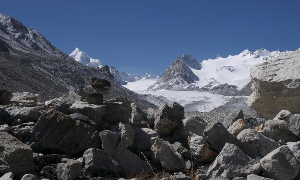 Une journée idéale de repérage vers le massif du Limi Himal.