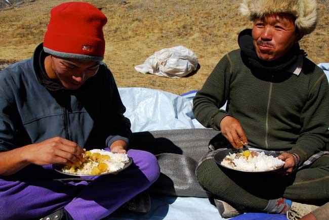 Un clin d'oeil à Temba & Chhotemba Sherpa... acteurs importants de notre précédente réussite.