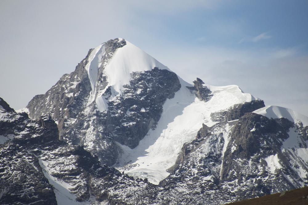 versant Nord, en face de Mundu, un sommet sans nom...