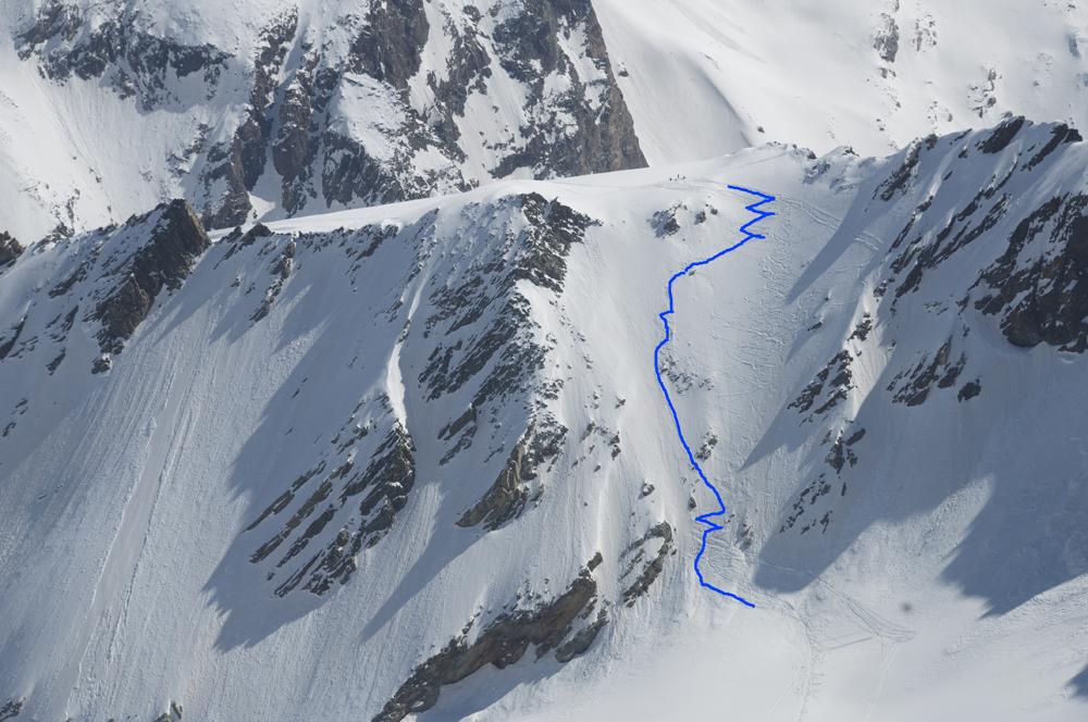 L'un des passages clefs de la Haute Route, le col du Mont Brulé, qui se franchi le plus souvent à la montée, skis sur le sac.
