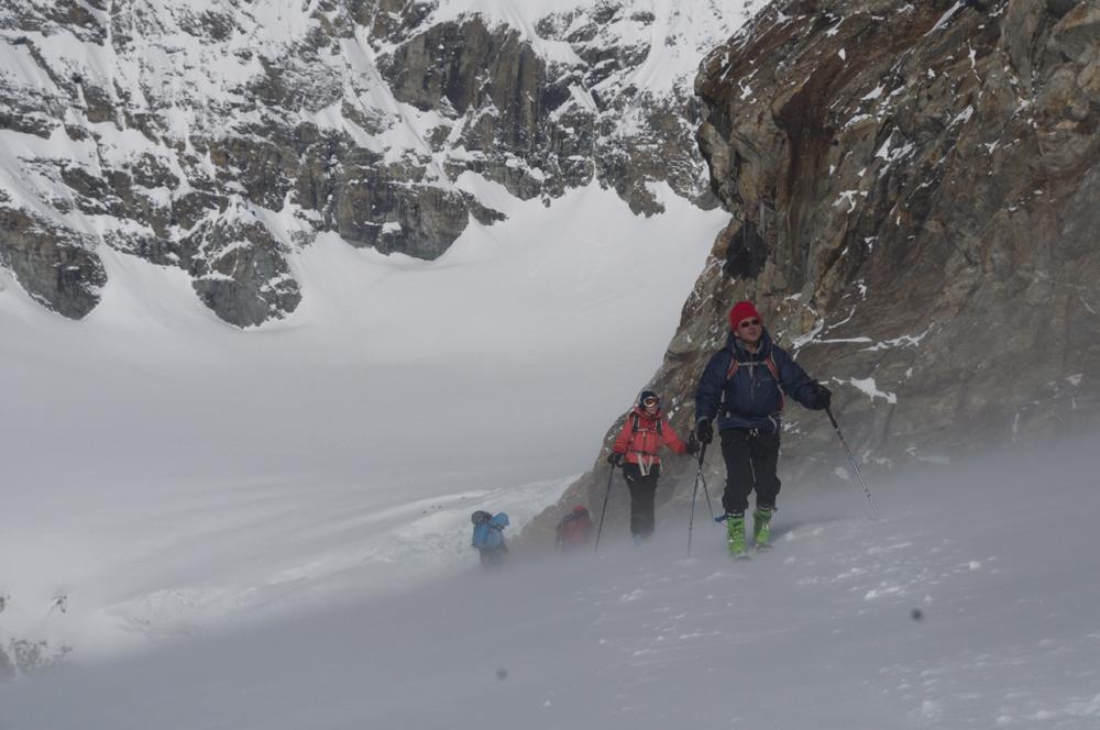 Sur le glacier, en montant vers la dent d'Hérens.