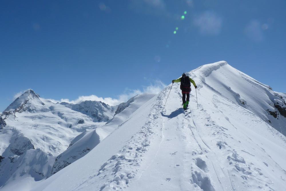 La pointe Kuntz, une belle arête à parcourir skis aux pieds en un exercice rare.