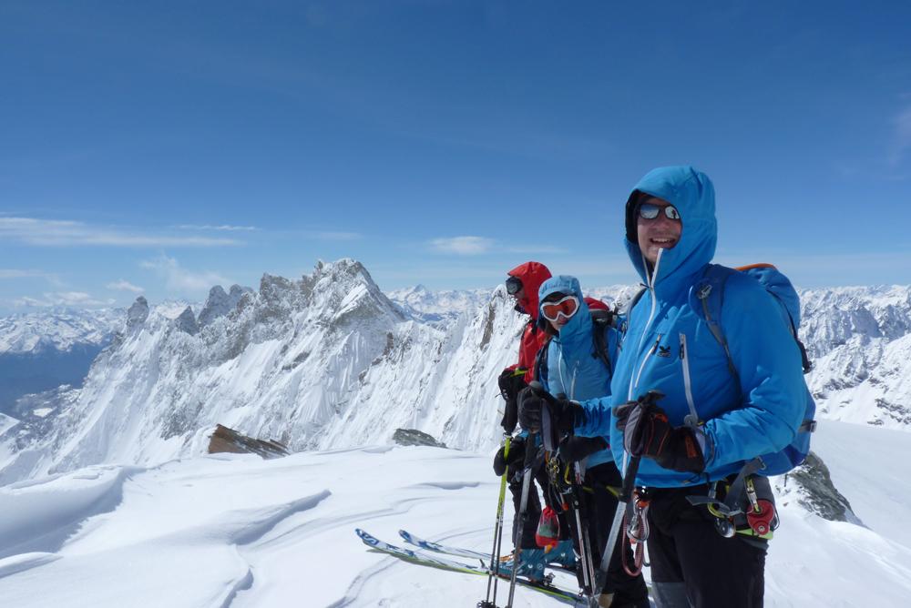 Et voici le sommet. L'ambiance est plusque fraiche !