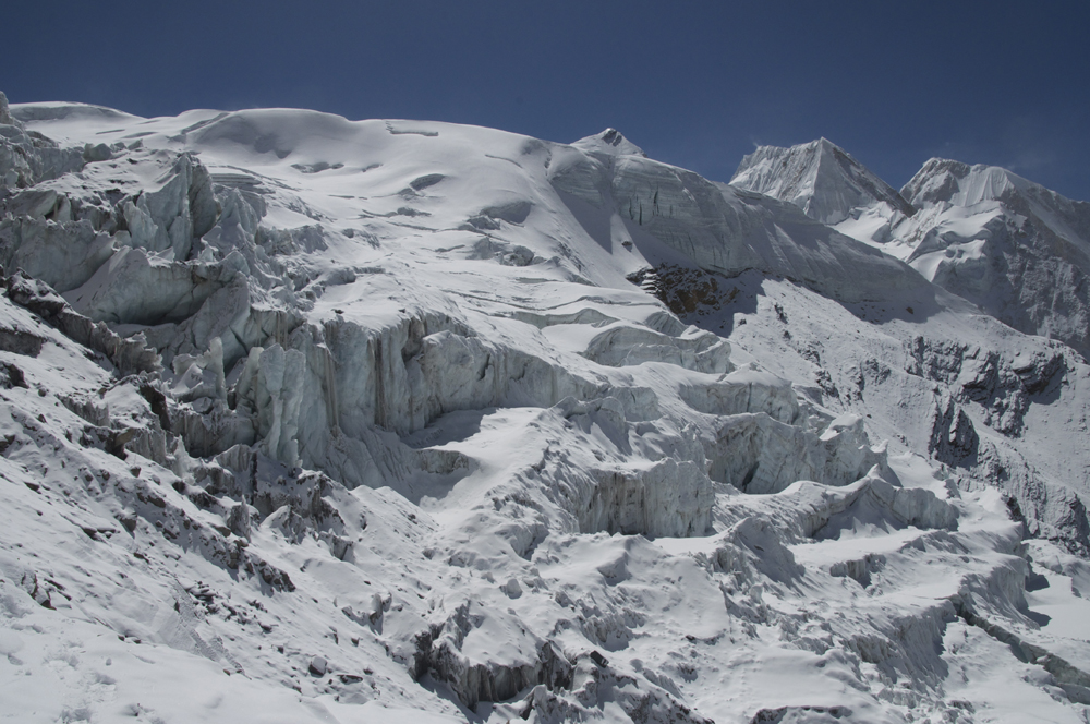 Himlung Himal, a view of the glacier