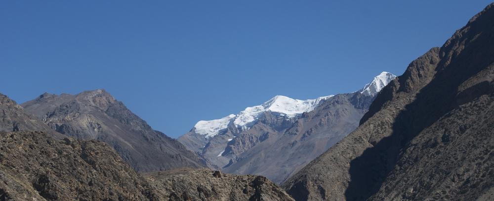 Et au loin, dans la haute vallée de la Labse Khola, les sommets que nous avons gravi il y a bien longtemps. Mais lesquels ?