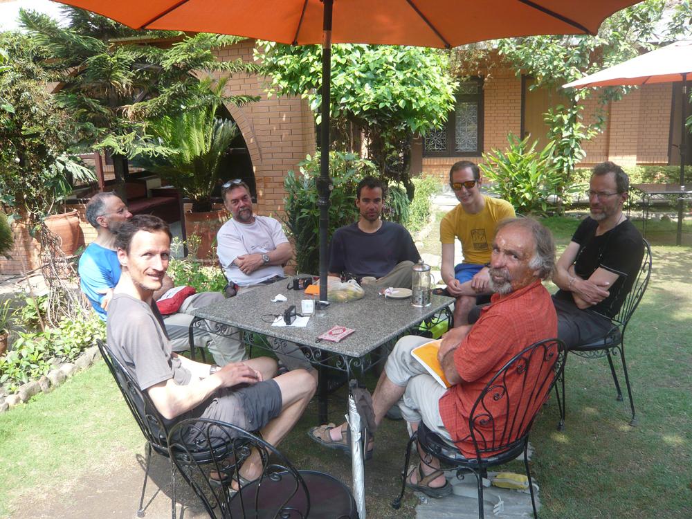 au jardin de Sechen… un petit dejeuner qui dure.
