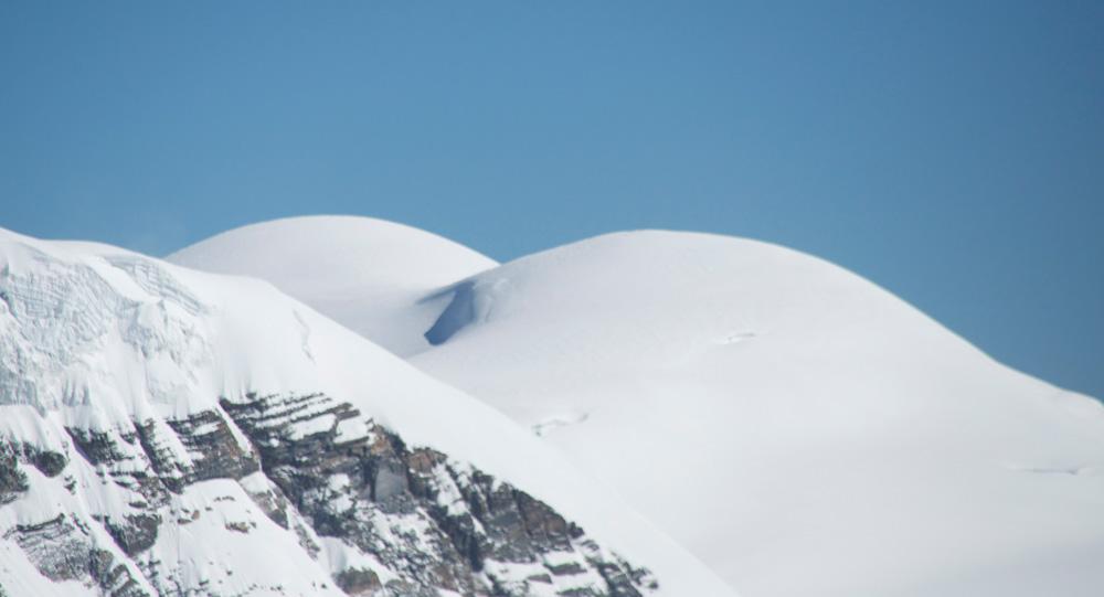 Drôle d'expédition... vers des montagnes voluptueuses...