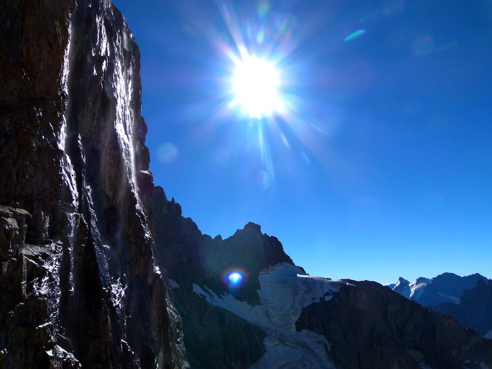 Sous les vires du Glacier Carré.