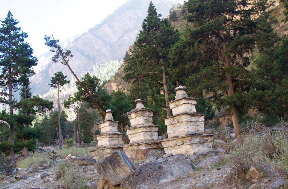 L'entrée dans la vallée de la Barbung Khola. Et forcément Rigzum gonpo.
