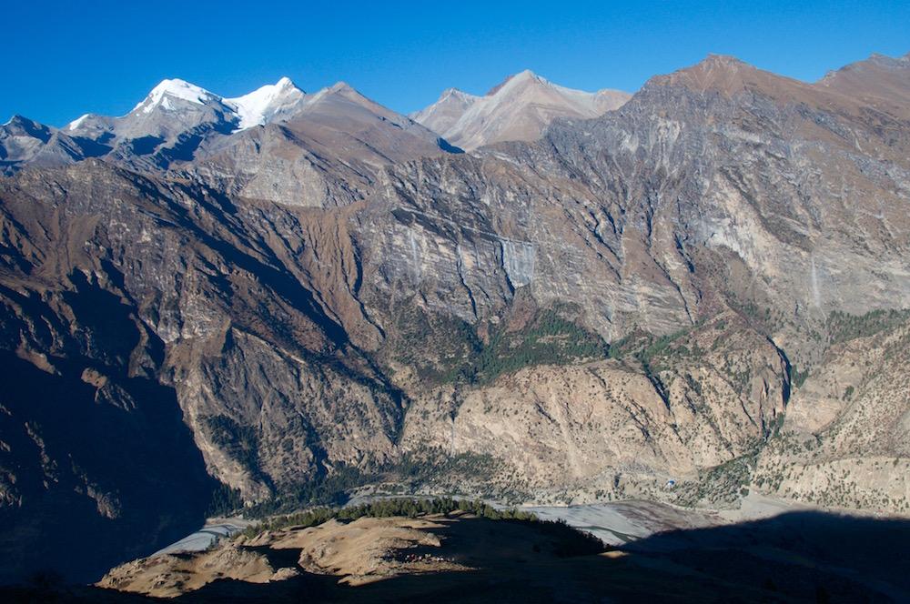 Nos montagnes de Kakkot, vu d'en face en descendant du camp de base de la Putha.