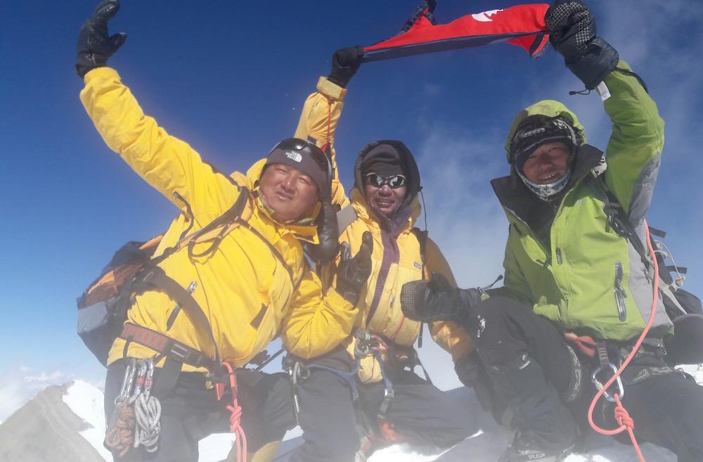 Au Sommet du Peak Hawley. Jangbu, Dhan et Deepen + Rajan à la photo.
