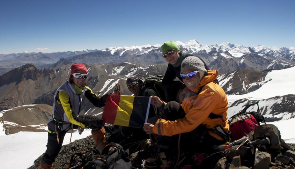 Véronique, Sonia et Jean-Marc au sommet du Belgian Peak.